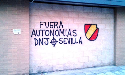 pintadas racistas Sevilla