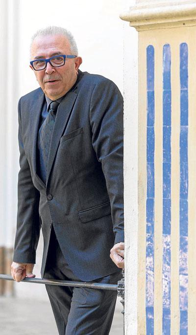 José Sánchez Maldonado, en uno de los patios del Palacio de San Telmo. / Jose Luis Montero