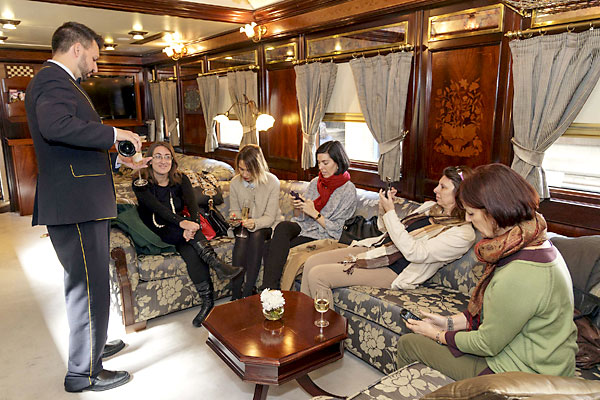 La oferta del tren Al Andalus va desde los 3.000 euros a los 1.800 por dos noches. El viajero tiene un nivel adquisitivo alto. / Foto: José Luis Montero