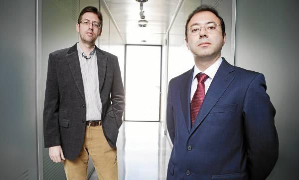 Juan Manuel Reina y Víctor Ayllón son los dos artífices de Novayre, ubicada en la Tecnoincubadora Marie Curie del PCT Cartuja. / PEPO HERRERA