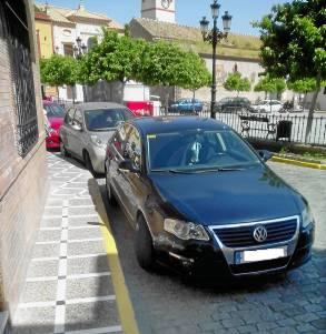 Fotografía del vehículo de la portavoz del PP.