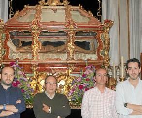 José Naranjo, José Campos, Francisco Durán y Antonio López ante el Sepulcro.