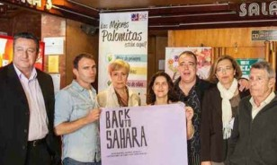 Director, productor y protagonistas del documental 'Back to Sahara', ayer en Sevilla.