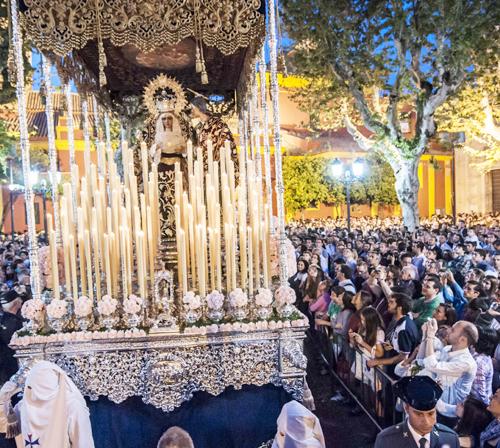 La Virgen del Dulce Nombre en la plaza de San Lorenzo. / J.M. Paisano