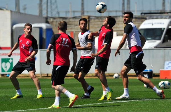 El Sevilla se juega sus dos grandes sueños en dos partidos muy exigentes. (Kiko Hurtado)