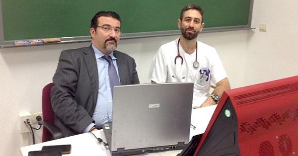 El abogado Manuel Martos (izq.) y Eissa Jaloud (dcha.), en una reunión.