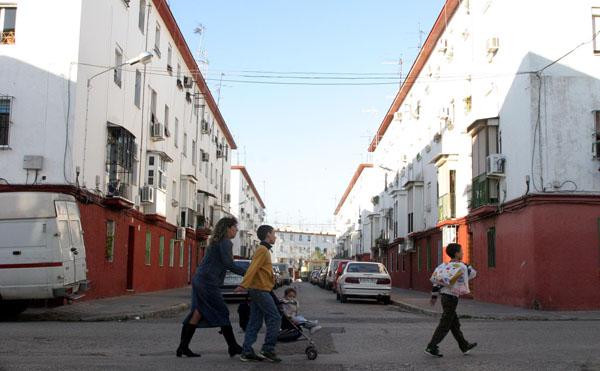 Las barriadas de Los Pajaritos y Nazaret son las que presentan un mayor número de viviendas del Patronato pendientes de escriturar. / Antonio Acedo