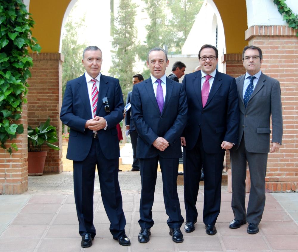 Rufino Parra, presidente de Adacem; José López; Ramón Adell, vicepresidente de CEDE, y Jorge Ramos, de San Telmo. / EL CORREO