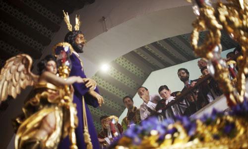 El Cautivo de Santa Genoveva a punto salir de su templo. Foto: Pepo Herrera