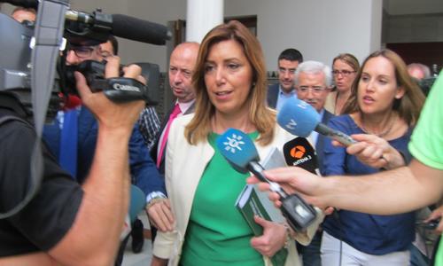 La presidenta de la Junta, Susana Díaz, hoy en el pleno del Parlamento