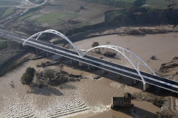 El puente cordobés Abbas Ibn Firnas lleva la firma de Tecade.
