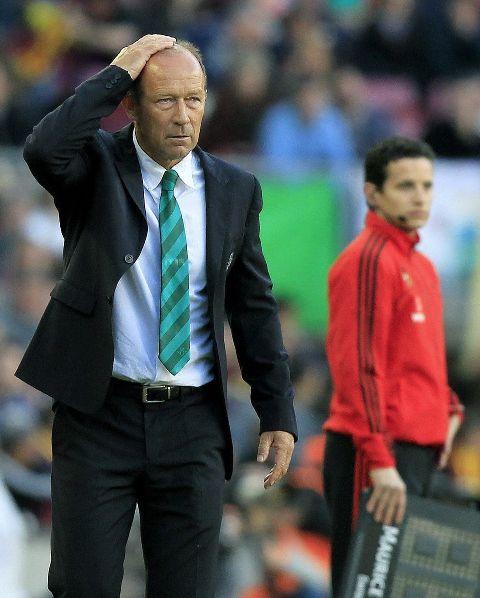 Gaby Calderón lamenta una de las acciones del Barça-Betis / Andreu Dalmau (EFE)