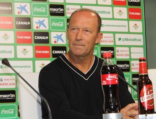 Gaby Calderón, durante la rueda de prensa previa al partido contra la Real / Real Betis