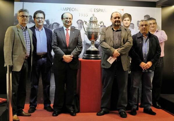 Castro, con los integrantes del Área de Historia (SFC)