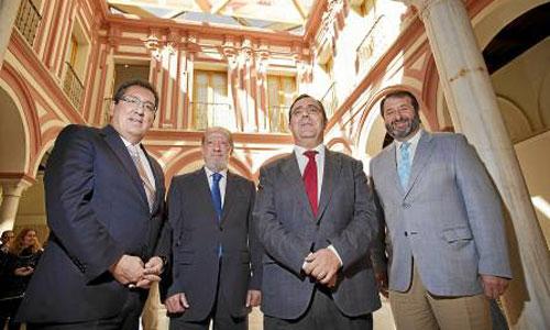 AntonioPulido, Fernando Rodríguez Villalobos, Vicente Guzmán y Juan Ávila, ayer en la presentación de los cursos. / Foto: Pepo Herrera