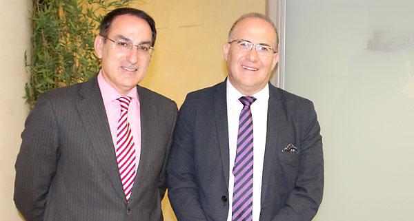 Los presidentes de CEA, Javier González de Lara (izda.), y CSIF-A, José Luis Heredia. / E.P.