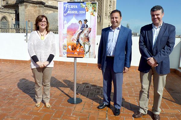 Ricardo Sánchez, alcalde de Mairena del Alcor (en el centro), en la presentación del cartel de la feria 2014.