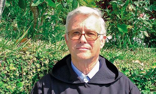 Fray Rafael Pozo fundó la Asociación Paz y Bien, que cumple 35 años sirviendo a personas con discapacidad en Sevilla y Huelva.