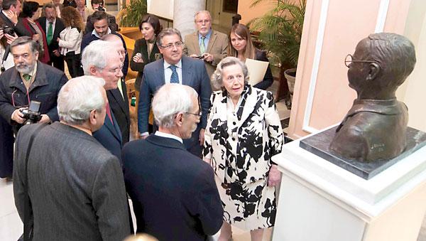 Homenaje a Blas Infante en el Ateneo de Sevilla, el 21 de marzo pasado, con la presencia de su hija María Ángeles. / J.M. Paisano