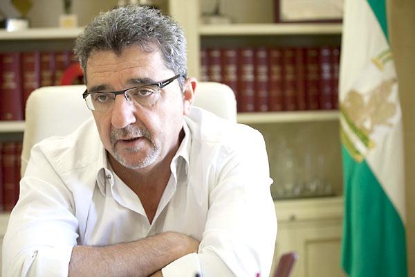 Antonio Gutiérrez Limones, alcalde de Alcalá de Guadaíra. / J.M.Espino
