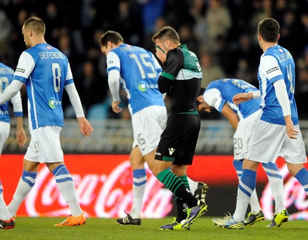 Chica lamenta uno de los cinco goles que la Real marcó al Betis en la primera vuelta / Josune Martínez