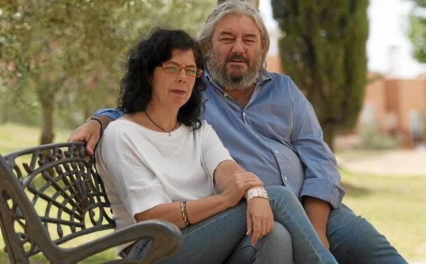 Andres Gotor y Raquel Gómez estan en proceso de tener una asosicacion de familia de acogida. / J.M.Paisano