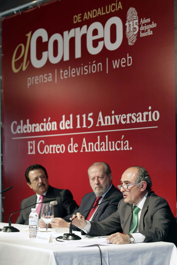De izquierda a derecha, Antonio Morera, Fernando Rodríguez Villalobos y David López. / José Luis Montero