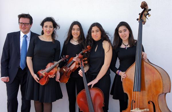 De izquierda a derecha, Tommaso Cogato (piano), Mariadelrosaria D'Aprile (violín), Paula Gresa (viola), Clara Gresa (violonchelo) y Rosa Roqués (contrabajo). / El Correo
