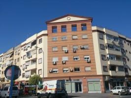 El edificio España, de Montequinto, fue el primer lugar donde se encontraron ejemplares de este arácnido. Foto: Helena Peña