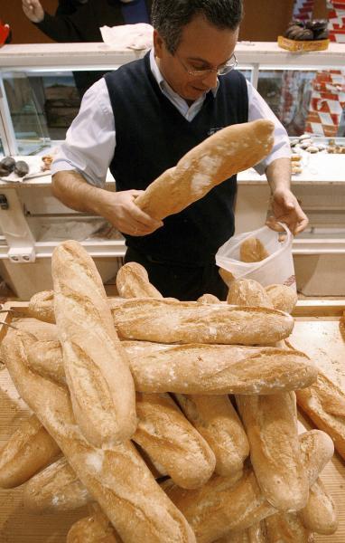 La barra de pan copa el 75 por ciento de las ventas de pan. / EFE