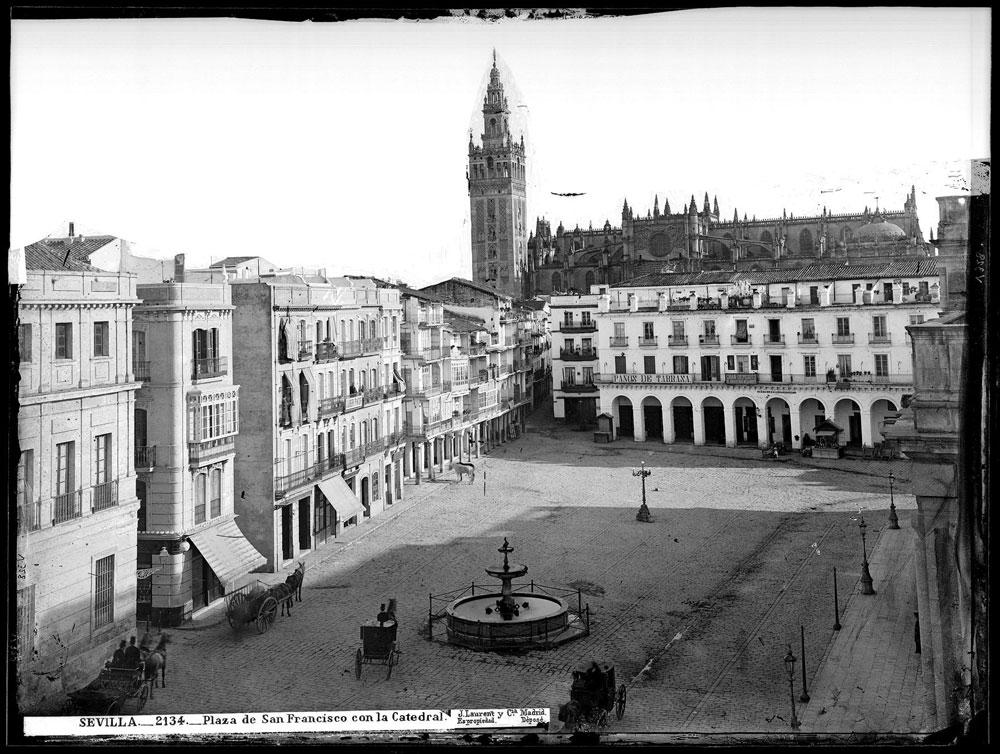 Imagen de la Plaza de San Francisco entre 1860 y 1886.