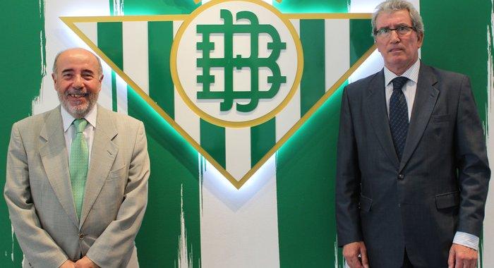 José Montoro (izquierda) y Sebastián Alabanda, hoy en el Villamarín / Real Betis