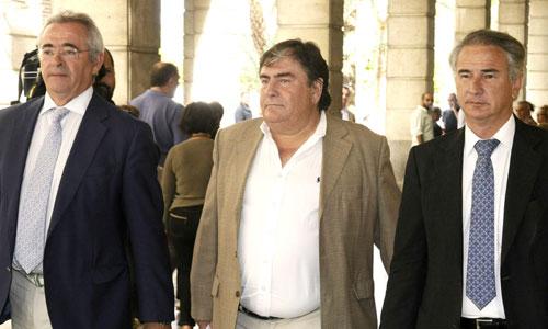 El ex vicepresidente del Real Betis, Ángel Martín a su salida de los juzgados de Sevilla. Foto: Efe