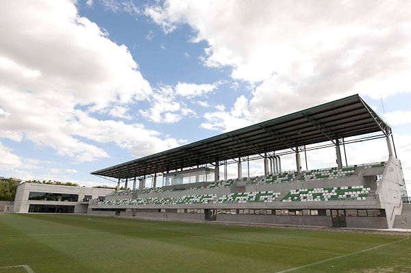 Nuevas instalaciones de la ciudad deportiva Luis del Sol del Betis. / J.M.Paisano