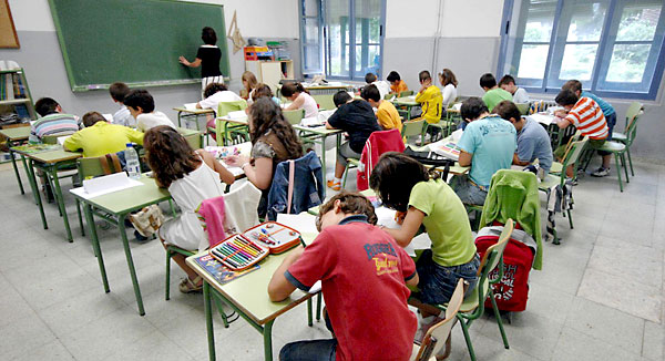 Una clase en un colegio de Primaria. / EFE