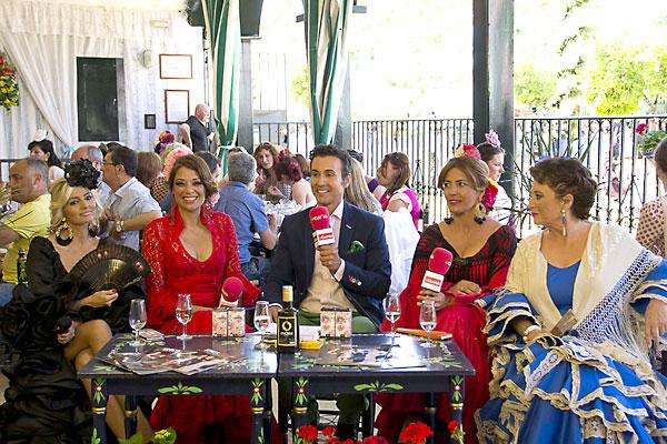 Ricardo Castillejo, en un momento del programa especial de El Correo TV en la Feria de Sevilla. / inmaculada Flores