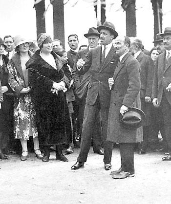 El Rey con Aníbal González, arquitecto hasta 1928 de la Expo.