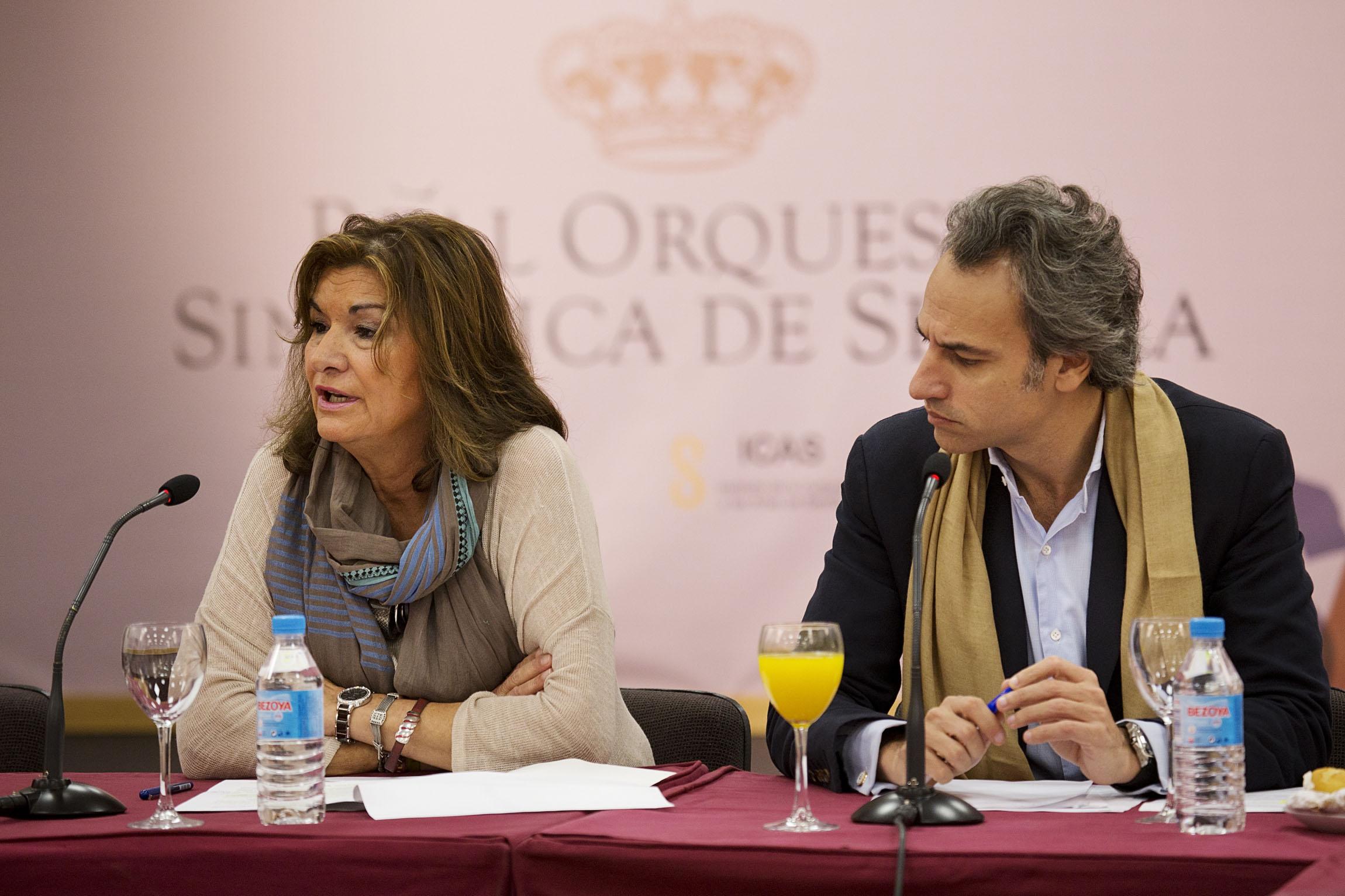 La gerente del Maestranza, Remedios Navarro, junto a Pedro Halffter. / Pepo Herrera