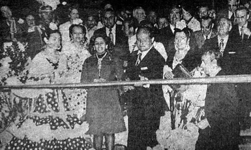 Momento histórico de la inauguración de la Feria en Los Remedios; en primer término, el alcalde Juan Fernández / Foto: El Correo