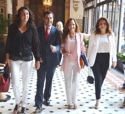 El presidente del Partido Popular andaluz, Juan Manuel Moreno, en Adra (Almería). / E.P.