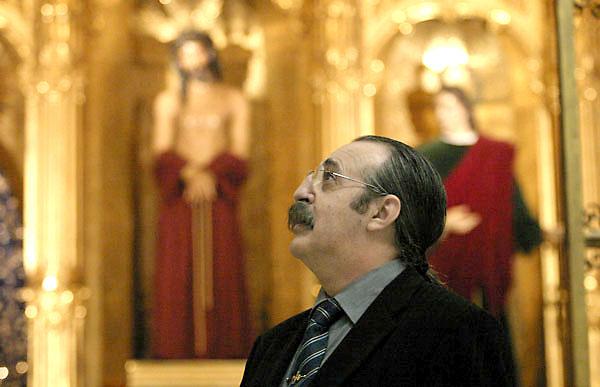 Pascual González, trovador, cantante, uno de los rostros más conocidos de Cantores de Híspalis. / Juan Carlos Cazalla