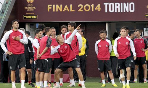 El equipo de Emery entrena ya en el estadio de la Juventus en Turín. Foto: Efe