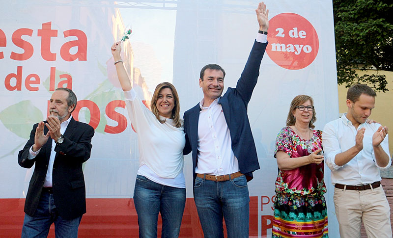 La presidenta de la Junta y secretaria general del PSOE andaluz, Susana Díaz, con el líder de Madrid, Tomás Gómez.