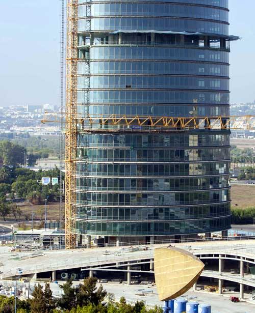 torre-pelli-vertical