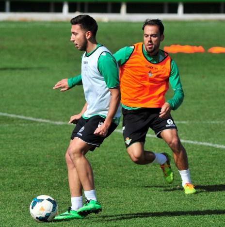 Varela, con Matilla en un entrenamiento del primer equipo / Kiko Hurtado