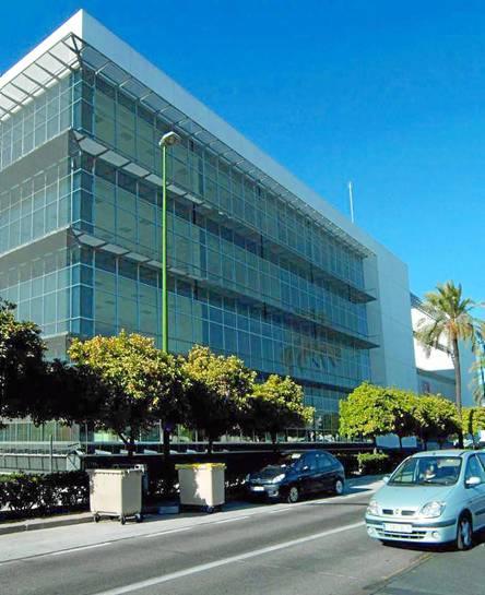 La sede de Seguridad y Movilidad y de la Jefatura de la Policía Local, en los suelos donde estaba la cárcel de la Ranilla. / El Correo