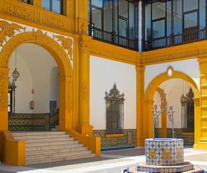 El patio central remite a la arquitectura boliviana de inicios del siglo XX. / El Correo