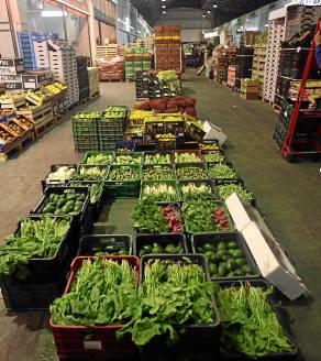 Los productos más demandados fueron fruta y hortalizas. / Javier Cuesta