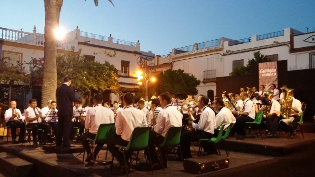 Músicos de la Sinfónica de Guillena durante el concierto del viernes