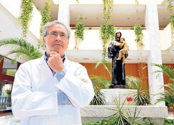 Tras dos décadas en hospitales de la sanidad pública andaluza, Barroeta asumió en 2012 la gerencia del hospital San Juan de Dios. / José Luis Montero
